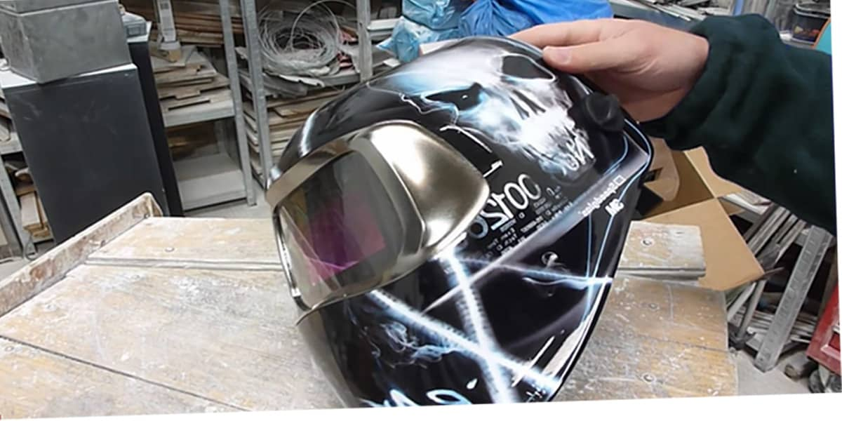 How to Test an Auto Darkening Welding Helmet in 8 Easy Steps?